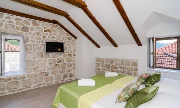 sorgo palace room